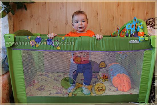 кроватка Bertoni. фото ребенка в кроватке
